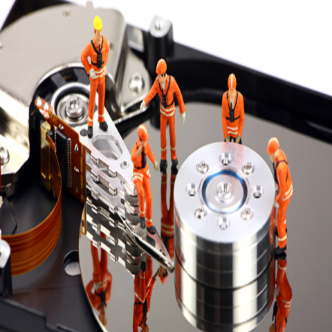 men-at-work-hard-drive-590x300